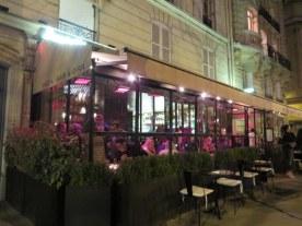 Ristorante Fratelli with enclosed patio.