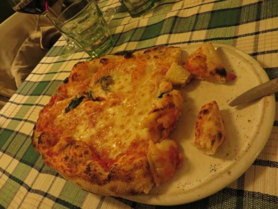 Pam chose pizza Margherita, a classic.