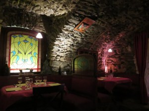 Cute interior, cave-like as one might imagine from the name. Cozy and romantic.