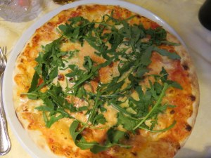 My pizza with brie and arugula looked fine...